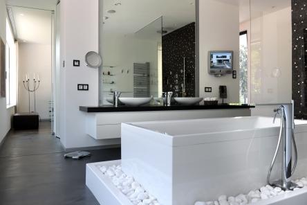 gira infoterminal touch gira referenties stadvilla in. Black Bedroom Furniture Sets. Home Design Ideas